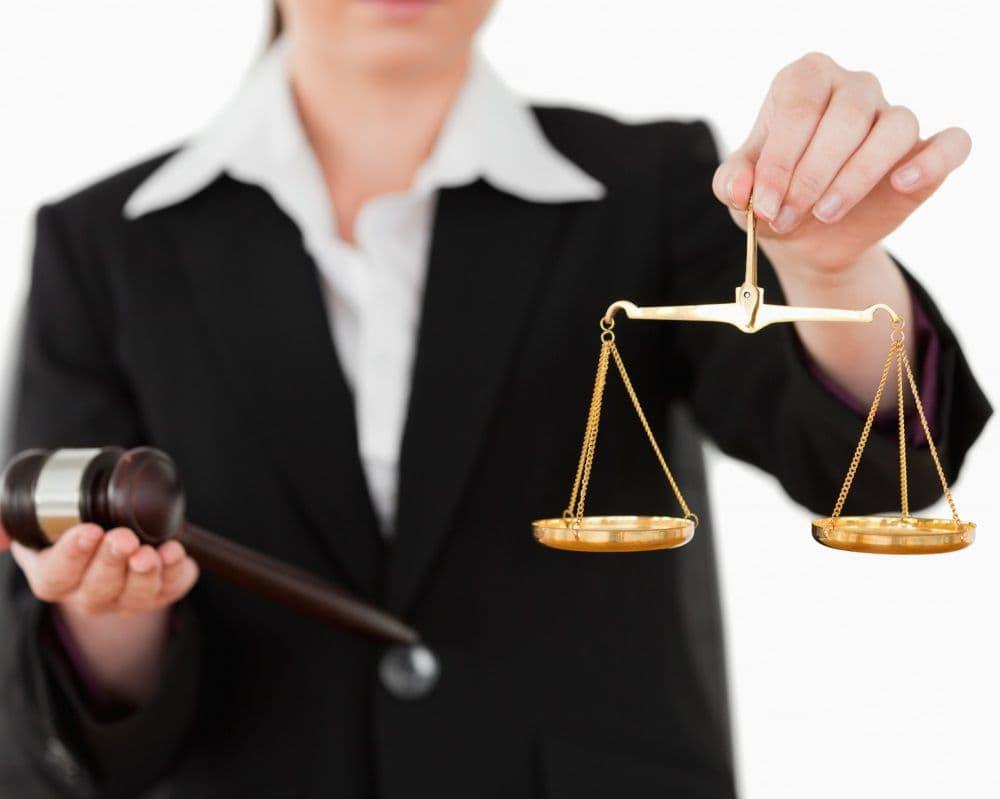 Нужен хороший юрист